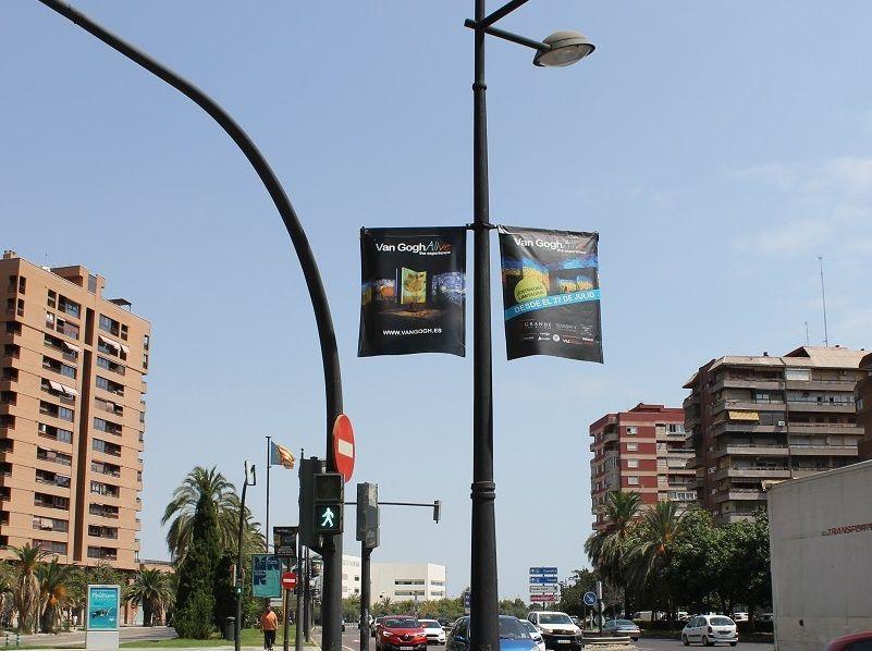 publicidad exterior, publicidad banderolas